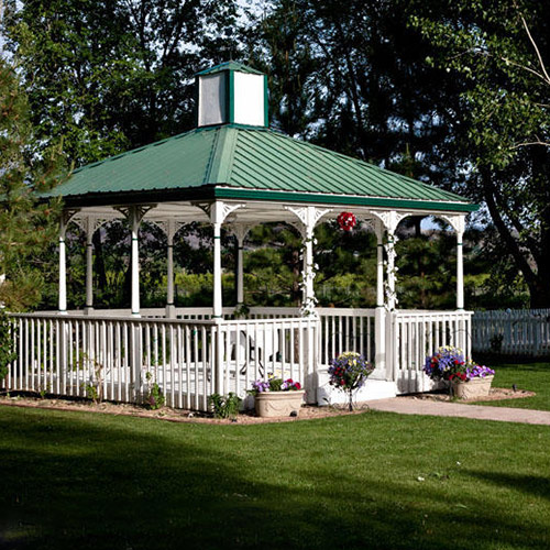 wedding gazebo at Amy's Courtyard in Palisade Colorado